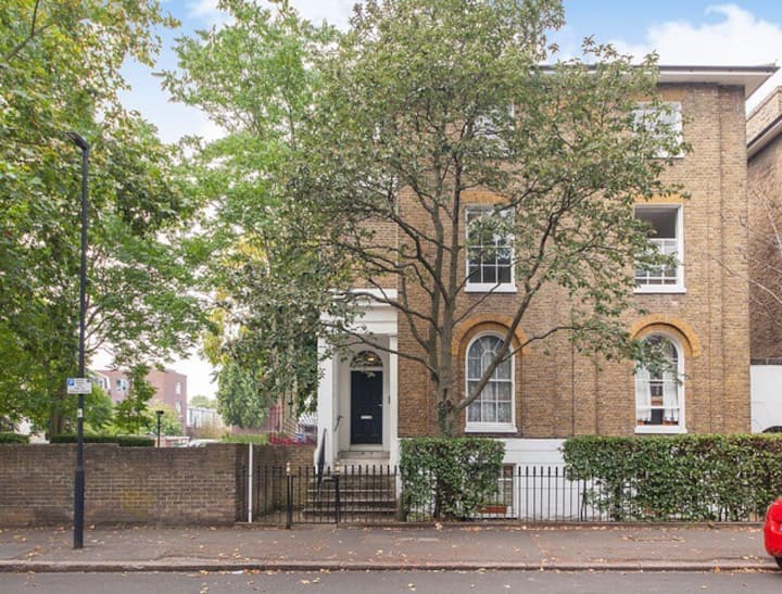 Really cute & bright 1 bedroom flat, Vauxhall/Oval