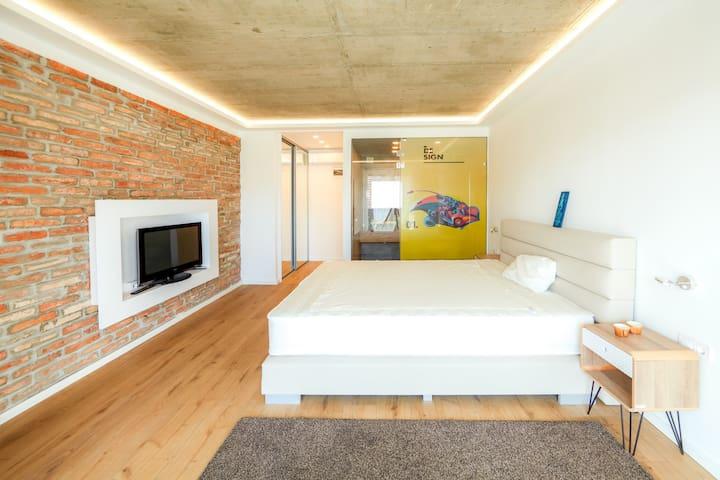 A9 Luxury Balatonudvari / Sauna+Jacuzzi / 1