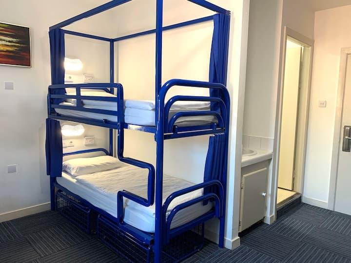 6 Bed Private Room En suite @ Kinlay