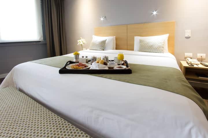 Unipark Hotel - Standard Signature Queen