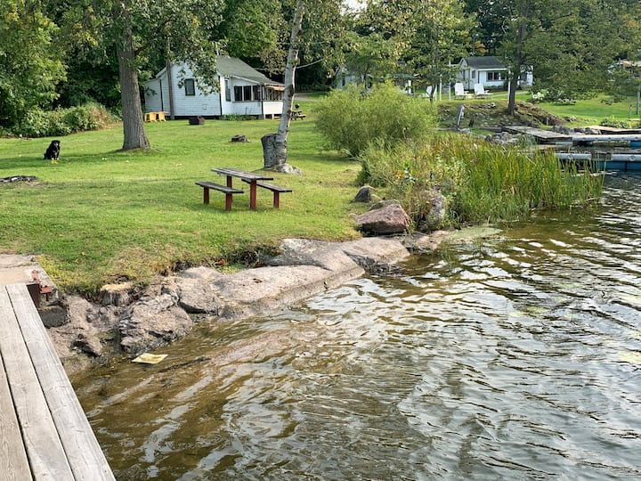 Sunny Acres 1 Bdrm Waterfront Cottage #14 sleeps 4