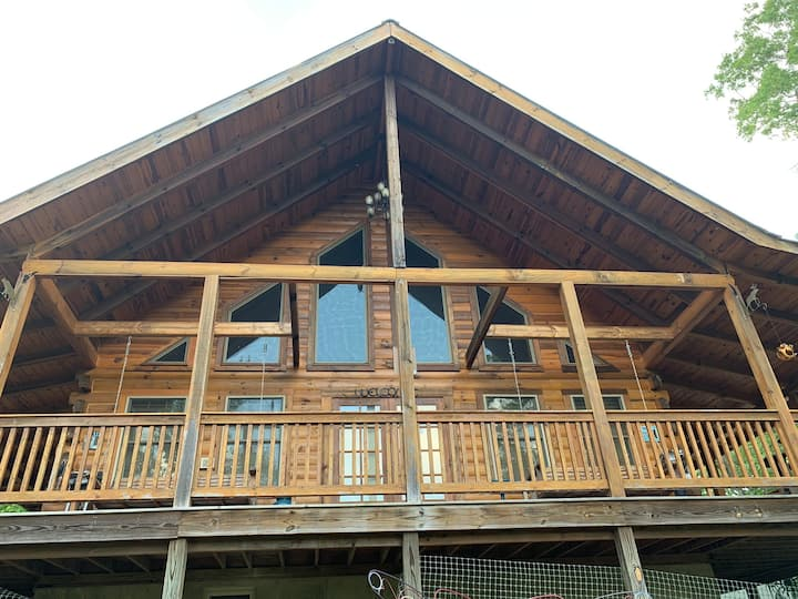 Beautiful Cabin Overlooking a Bluff on 40 Acres