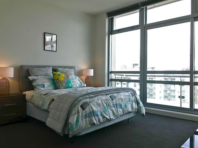 Bedroom 1 ( Ensuite )