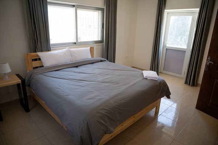 2/Modern Room in artistic Jabal Weibdeh / Balcony