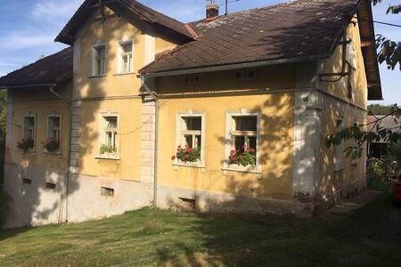 Všehrdy, klidné ubytování na venkově