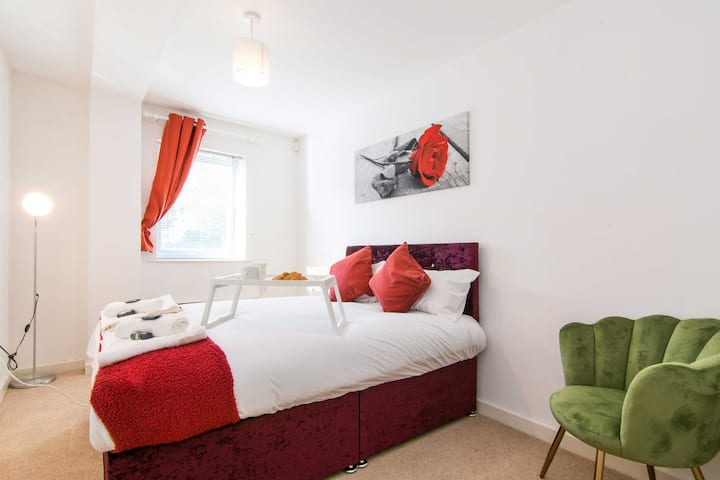 Sublime Stays Stylish 2Bed by Coventry Stn Parking