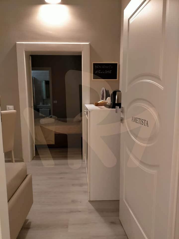 Camera Ametista con bagno Privato e Cromoterapia