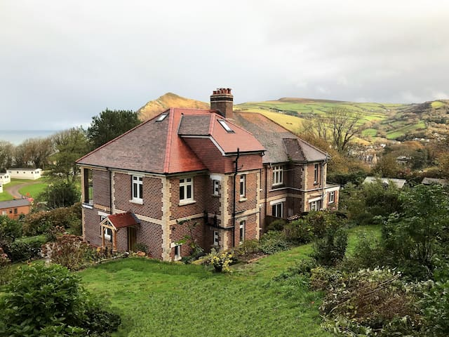Beautifully Renovated 1930's House with Sea Views