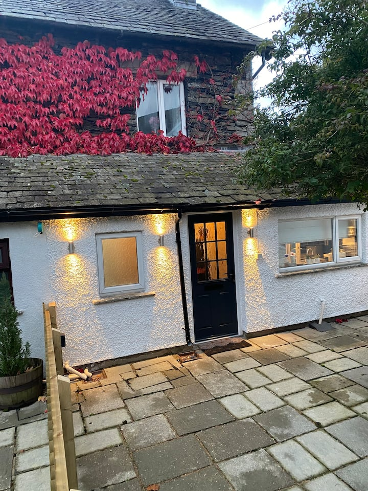 Hollys Hideaway, Cosy Cottage  Staveley, The lakes