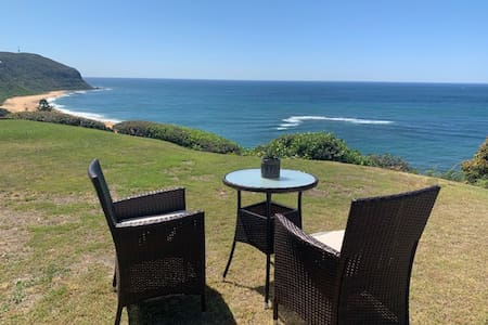 Stunning Oceanfront 1 bdrm w/ Stairs to the Beach