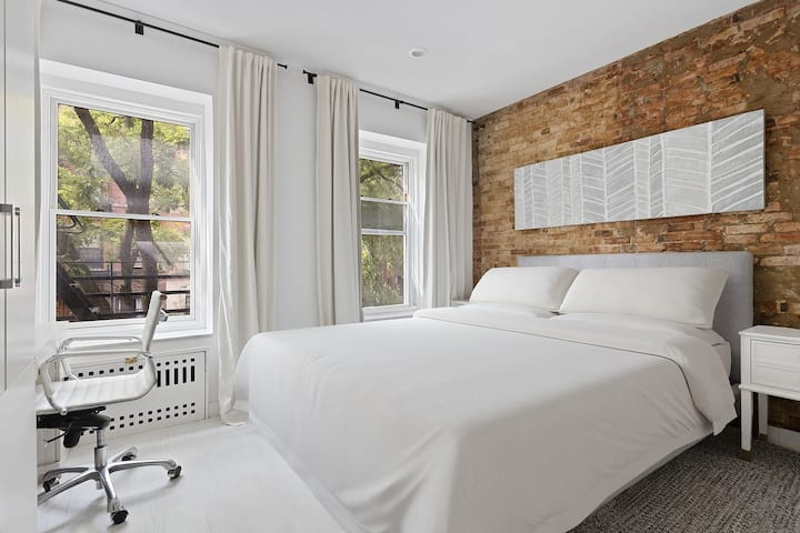 Luxury Renovated LOFT in Downtown Chelsea. NYC.