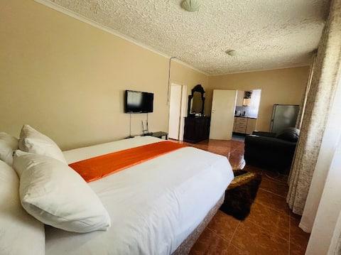 Kay's Salem - One Bedroomed apartment - RUWA