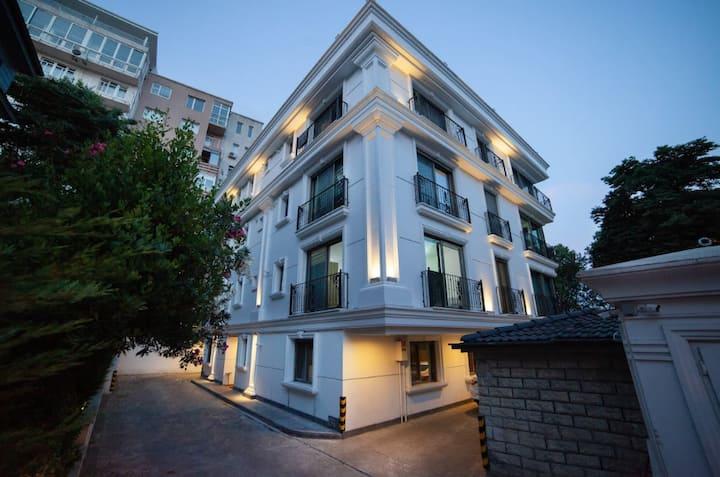 Konak Çırağan Terrace Penthouse with Sea View