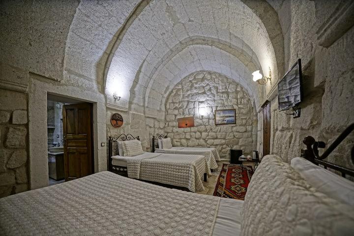 103 Üç kişilik oda