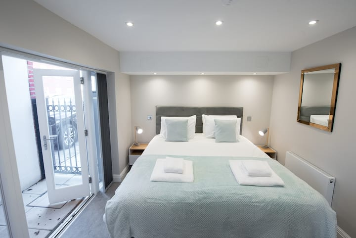 1Bed Apartment Billericay Essex by Space Apartment