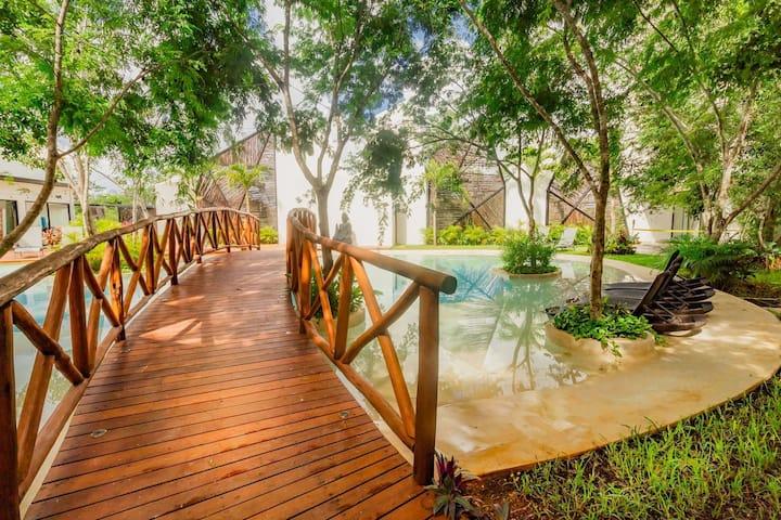 Boho & Mayan Jungle Condo°° Private jacuzzi °°