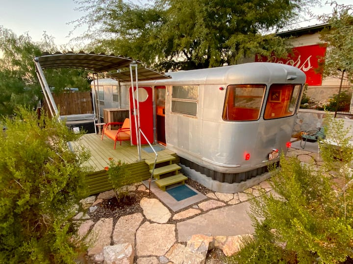 Vintage Travel Trailers - Chaparral 53'