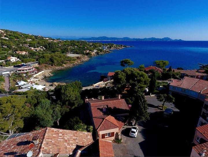 Villa du Jardin super sea views steps to the beach