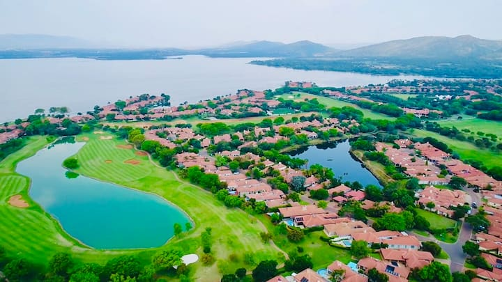 Hartbeespoort dam self catering house with a view""