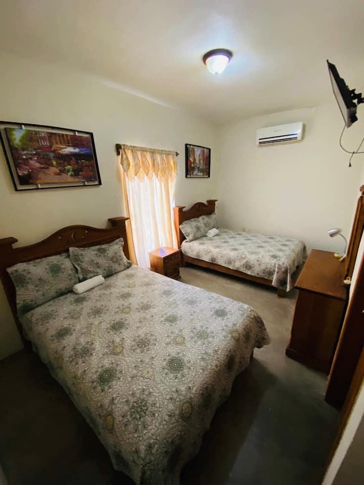 SUPER COMFY PVT Bedroom FOR 4 @ Landa de Matamoros