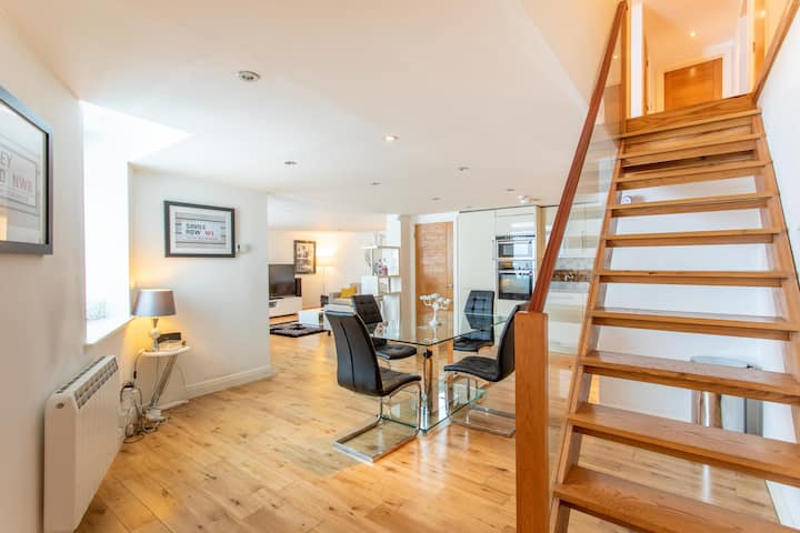 Luxury split-level maisonette 3bed3bath in Hackney