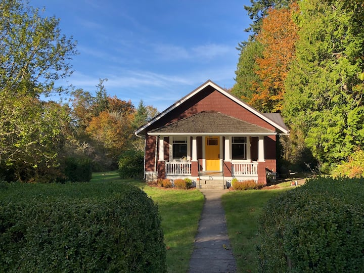 NEW!  Vintage Bungalow w/ Meadow & Forest