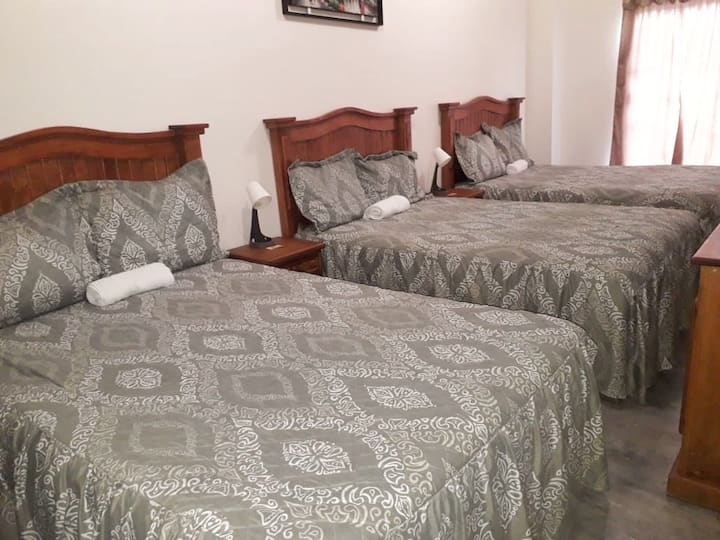 VERY COMFY Bedroom FOR 6 @ Landa de Matamoros