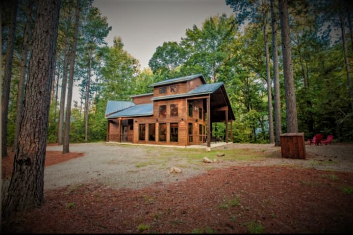 Strawberry Creek Cabin Stunning King Suite w/Creek
