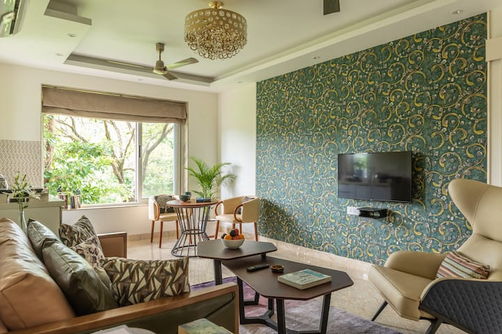 Luxurious Apartment with a Pool near Candolim