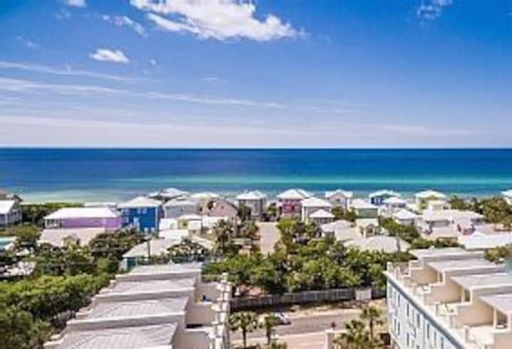 Walk to Beach/Ocean view/Pool 4BR/4ba/30A/sleep12