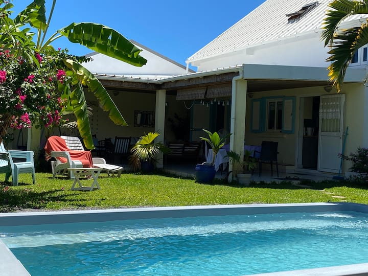 Villa, jardin, piscine, varangue: que du bonheur!