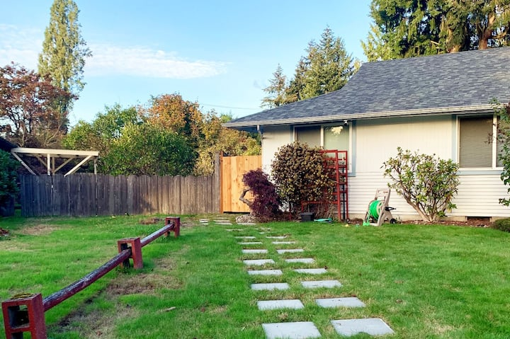Room for rent in Federal way.