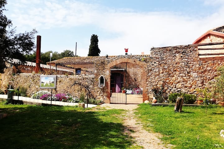 Farmhouse - Masia  cerca del mar - Dog friendly
