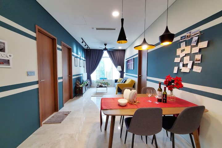 2BR KLCC Suite 4-6pax l KL Tower view l High Floor