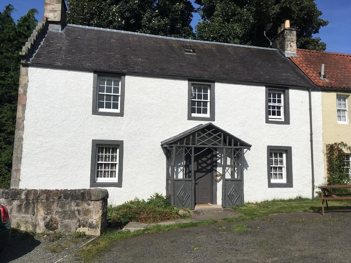 Charming 3 bedroom 300 year old Cottage