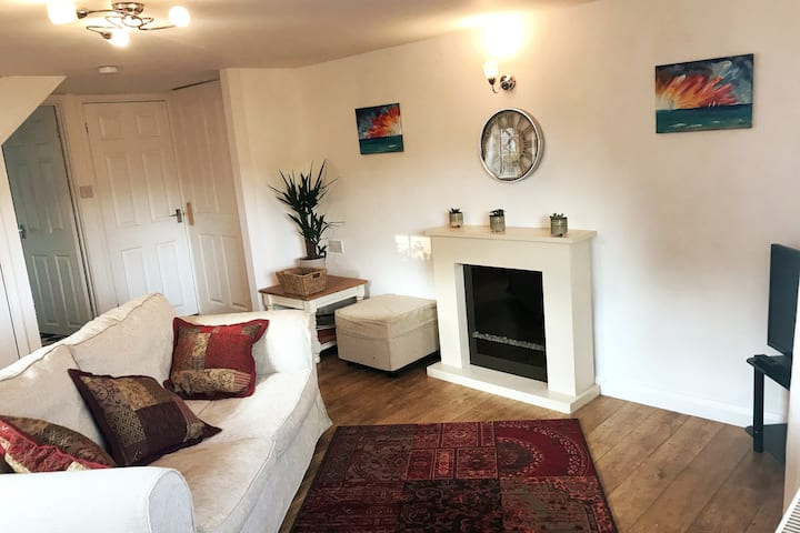 Countryside Cottage, Central Cornwall,Dogs Welcome