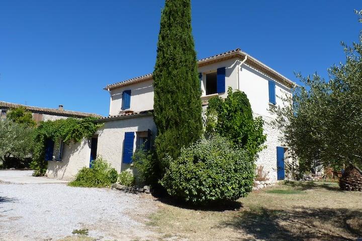 Maison de famille 10P, proche Nîmes