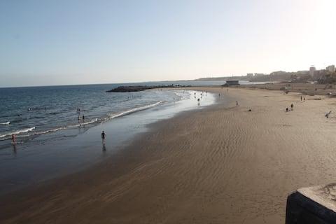 ⛱  Apto San Agustín A 3 минуты пешком до пляжа.