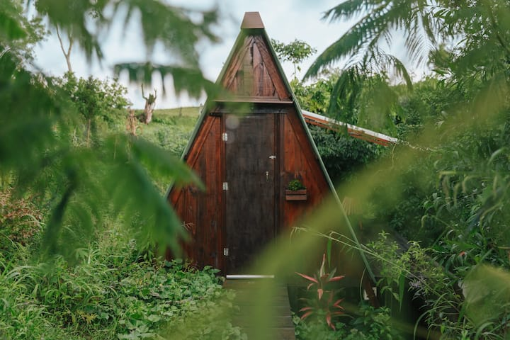 Cabana Tiny House 'A' de 11m com bosque e banheira