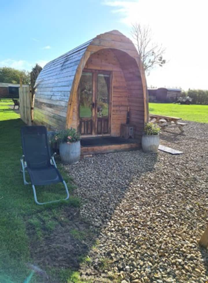 Glamping pod, with Swedish wood fired eco tub