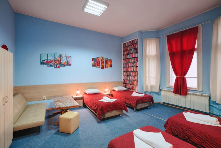 Quadruple Room 1