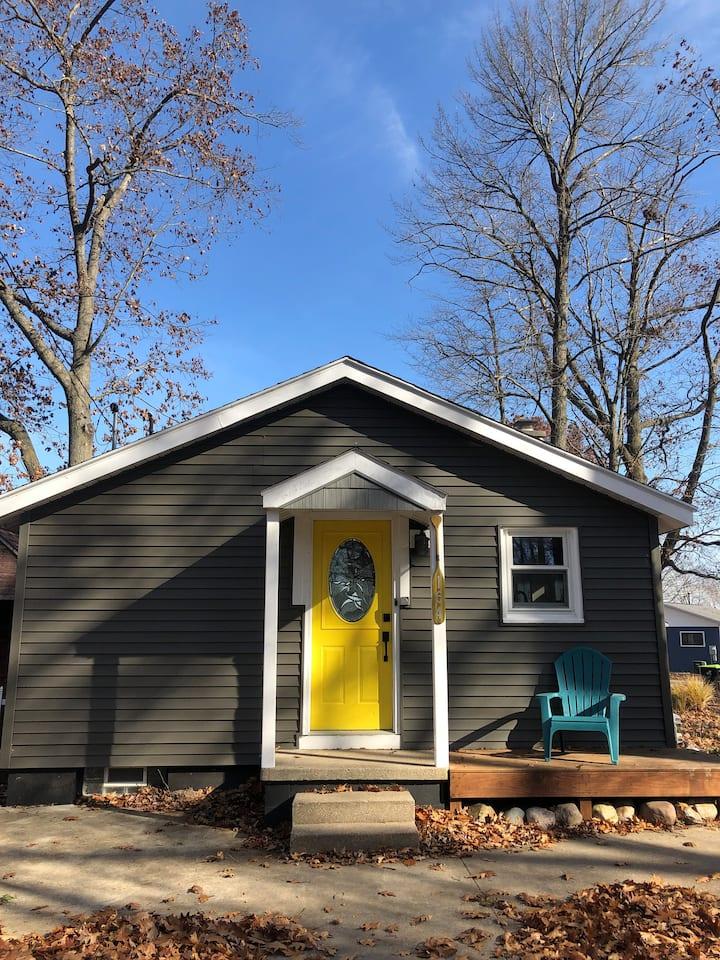 Lake Mitchell Cottage Getaway