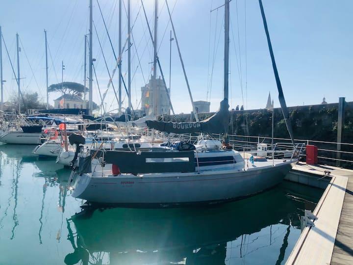 Voilier cosy en plein cœur du vieux port.