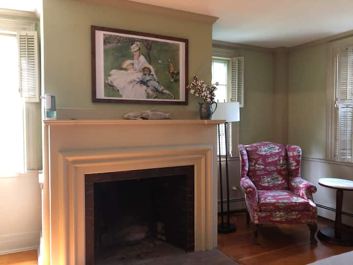 Stay in Brewster's history, 1799 homestead