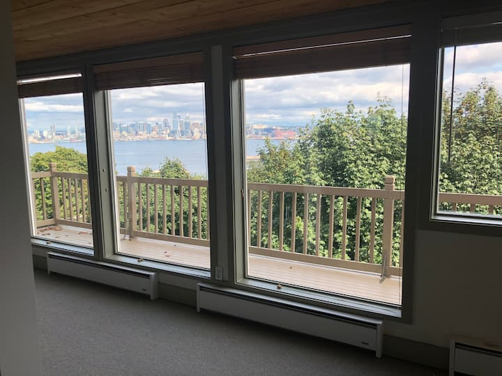 Studio with a Serene view of the Seattle Skyline
