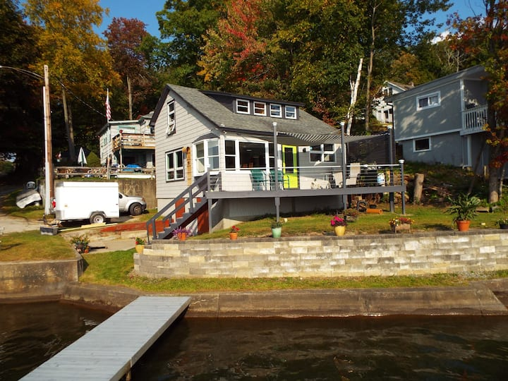 Berkshire Lakefront House w/ free SUPs, kayaks