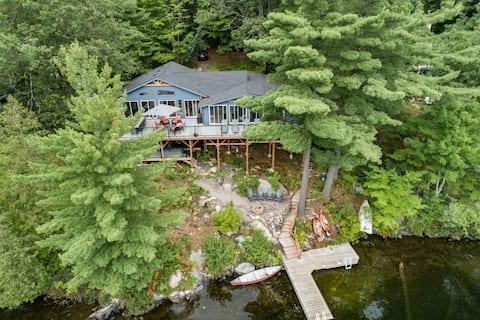 Newly Renovated, Cozy Lakefront Cottage in Muskoka