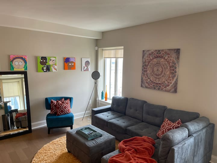 Chic  Downtown Condo Baltimore w/ Parking/View