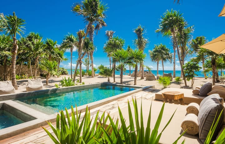 Villa Moloch - Stylish New Beachfront Villa Tulum