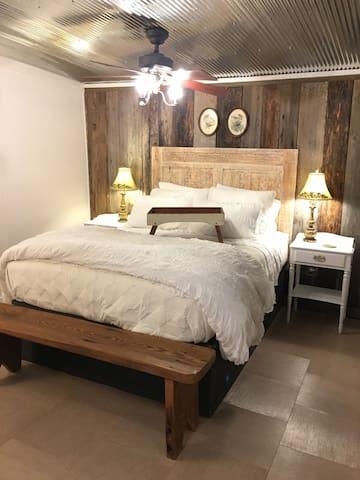 Luxury bedding + wonderful mattress = Beware of Oversleeping!
